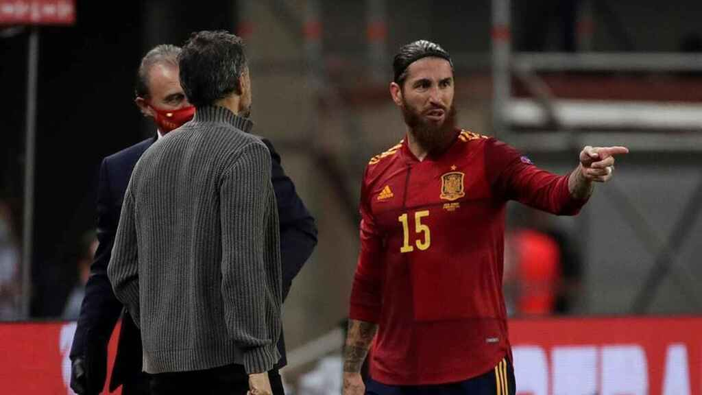 Sergio Ramos abandona el campo lesionado en el España - Alemania de la UEFA Nations League