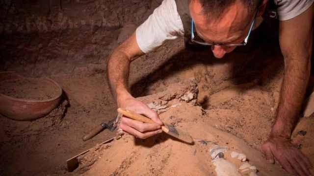 Uno de los investigadores del proyecto Qubbet El-Hawa.