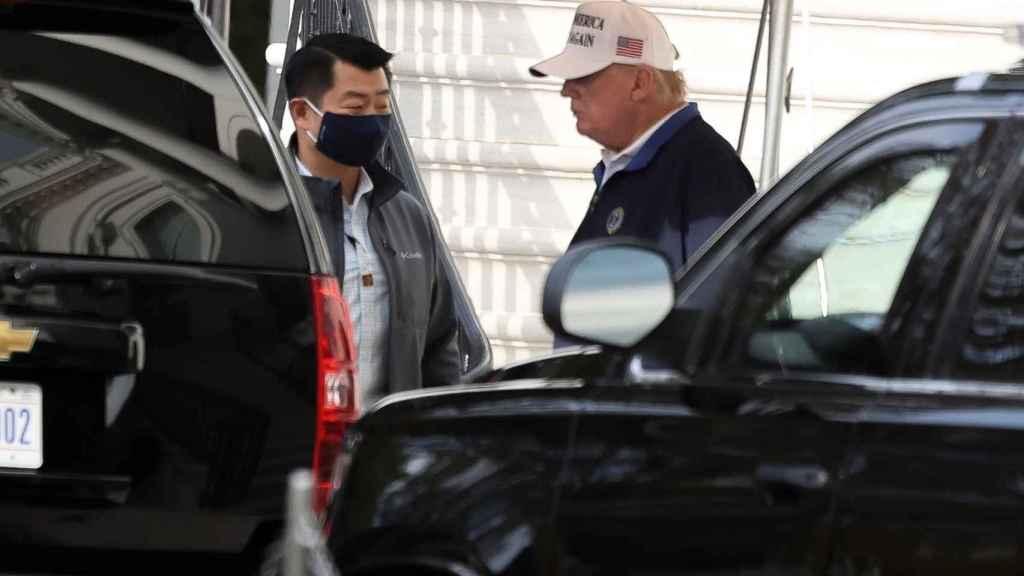 Donald Trump abandona la Casa Blanca para jugar al golf.