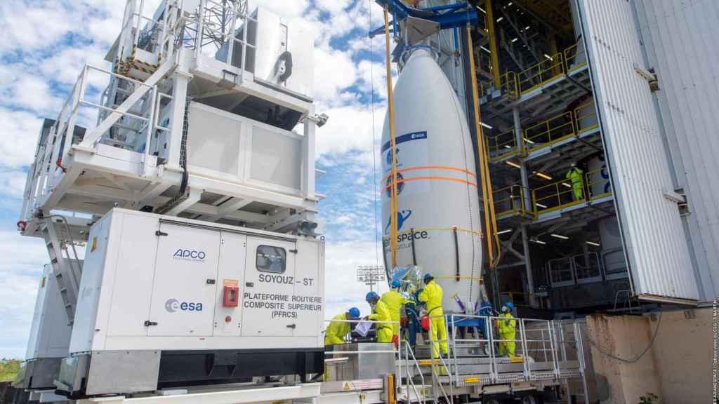 Preparativos para el lanzamiento del 'Ingenio' en el Puerto Espacial de Kurú, Guayana Francesa.