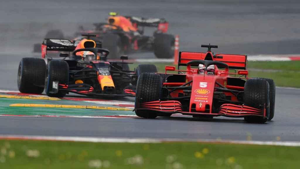 El Ferrari de Sebastian Vettel, durante el Gran Premio de Turquía de Fórmula 1 de 2020