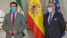 Juanma Moreno (PP) y Alejandro Hernández (Vox)