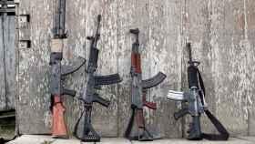 Armas incautadas a las organizaciones paramilitares en Colombia.