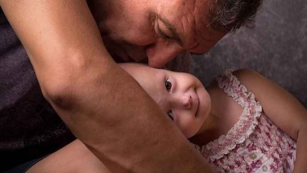 Alexandra y su padre, Cédric Peraut.
