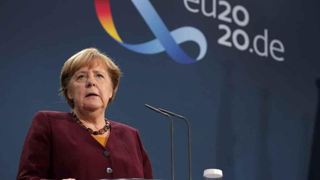 La canciller alemana, Angela Merkel, durante la rueda de prensa de este jueves
