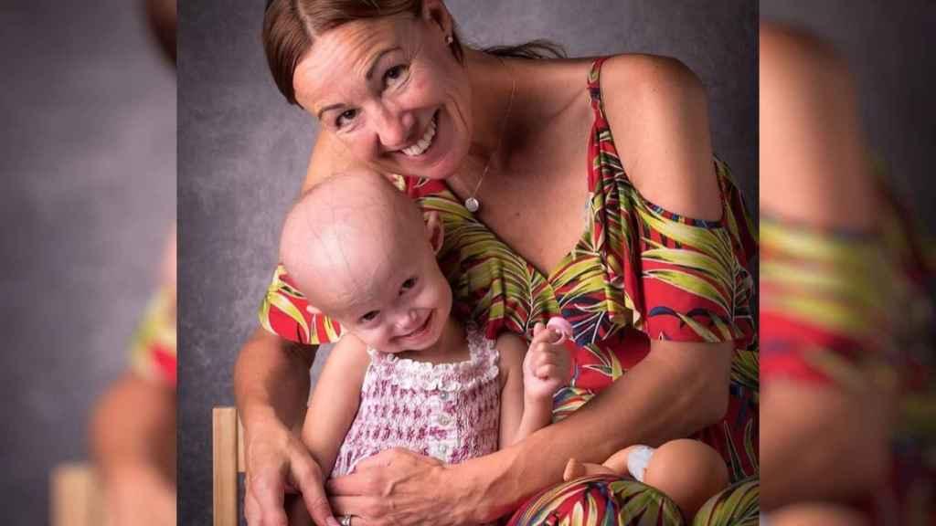 Esther Martínez y su hija Alexandra.