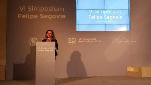 La presidenta de la Institución SEK, Nieves Segovia durante su intervención en el IV Simposium Felipe Segovia.