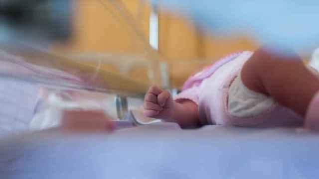 Muere el bebé ingresado por los malos tratos de su madre en Tàrrega (Lleida)