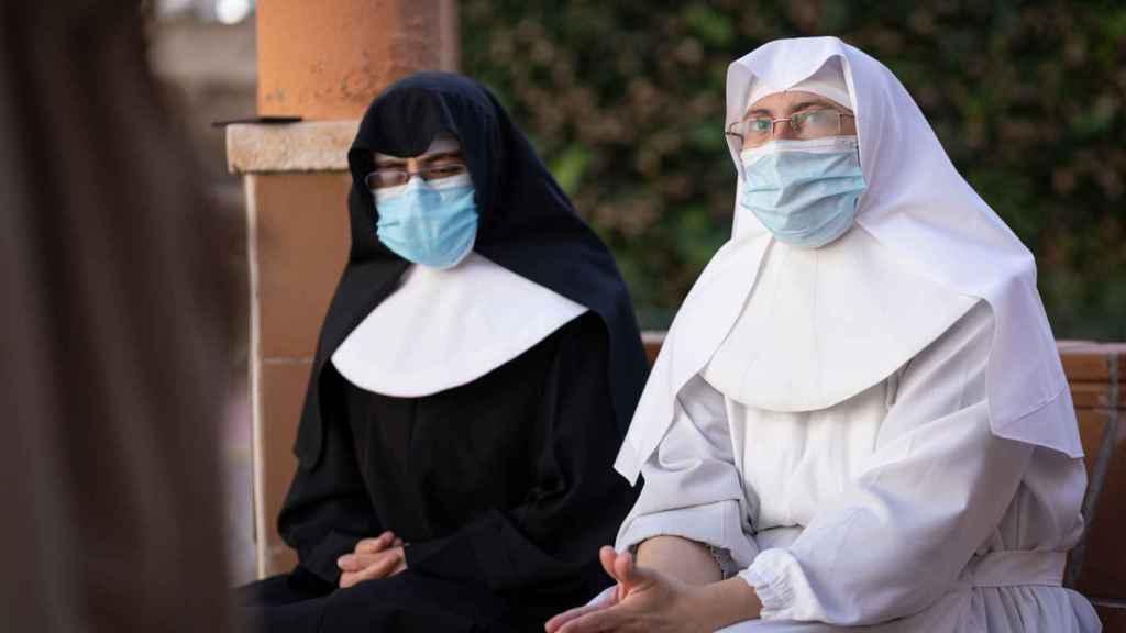 Las dos hermanas, durante la entrevista.