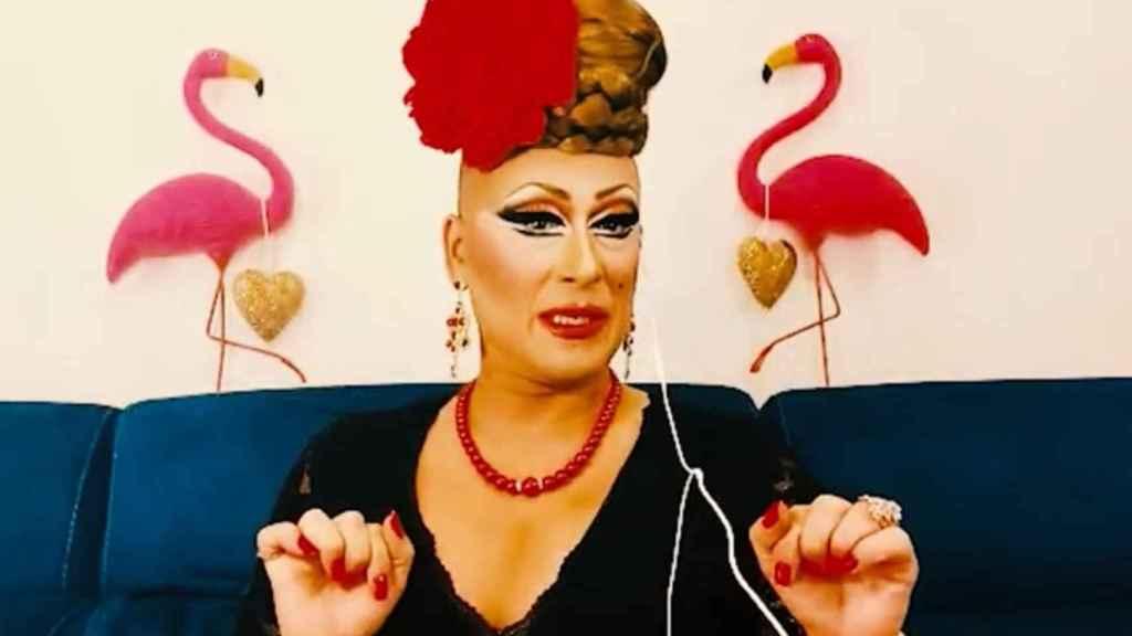 Madame Perlán en uno de sus vídeos