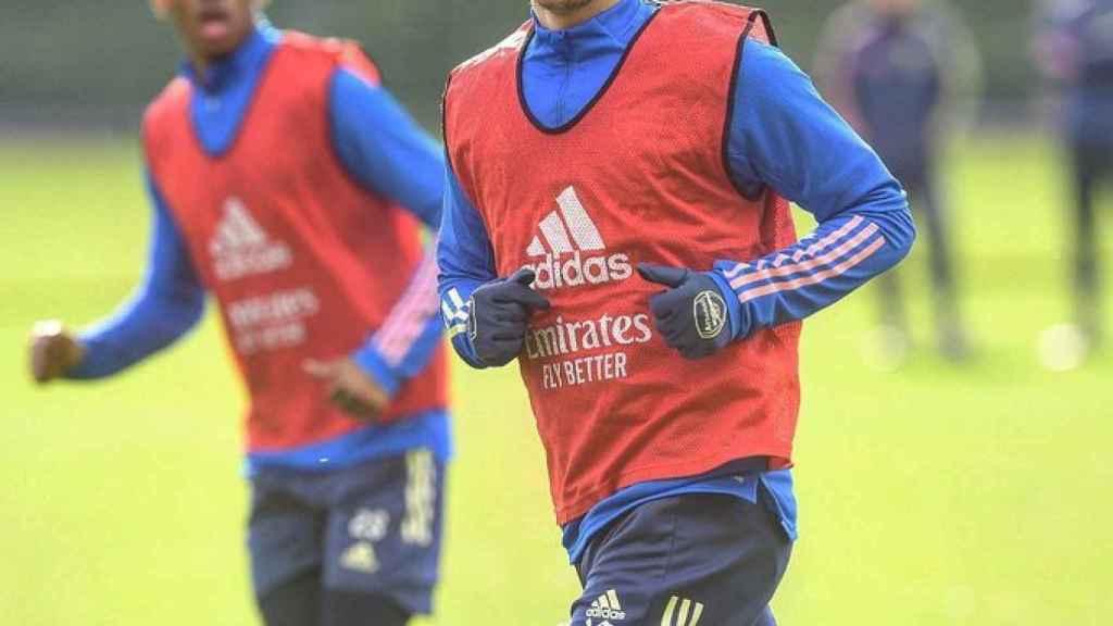 Ozil entrenando con el Arsenal