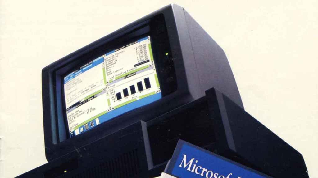 Anuncio con un ordenador con Windows 1.0