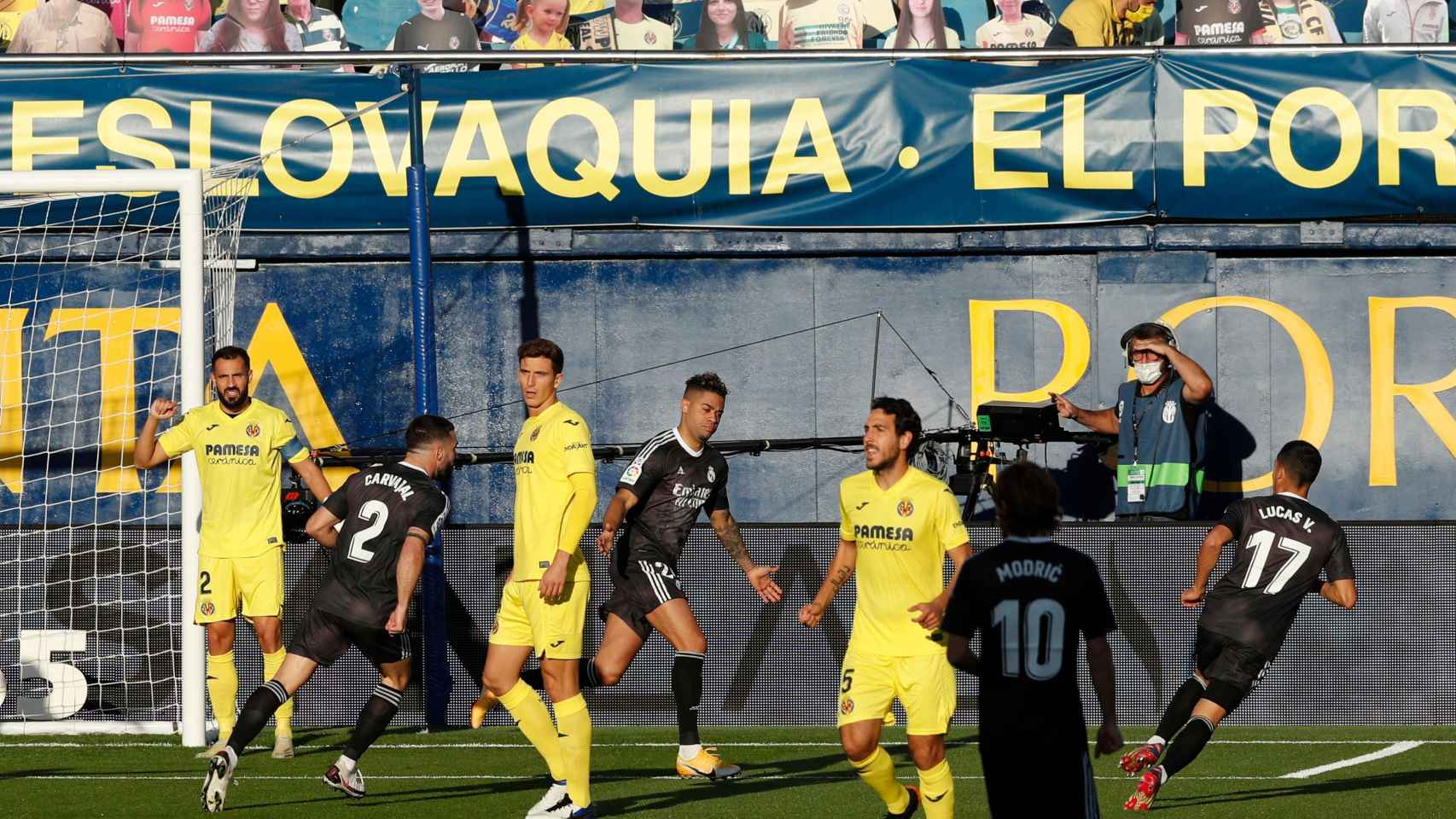 Mariano celebra su gol al Villarreal
