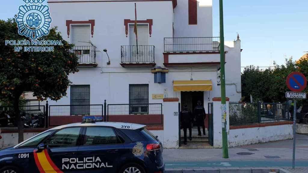 Agentes de Policía en Sevilla.