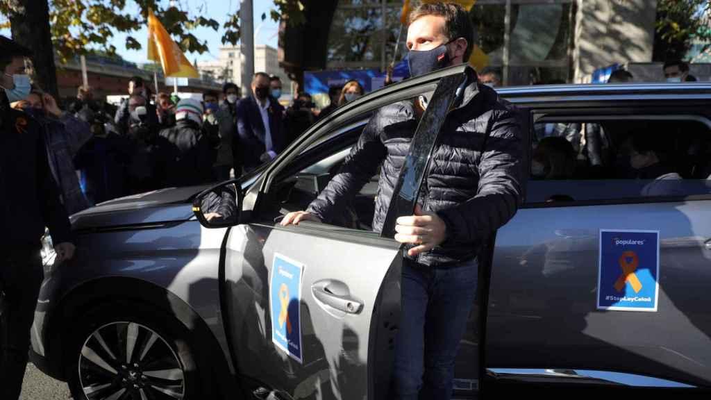 Pablo Casado a su llegada a la manifestación en Madrid.