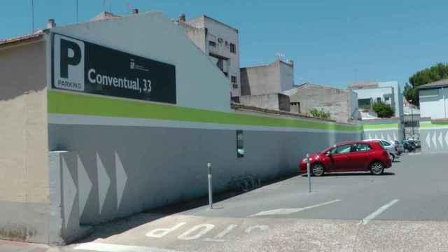 Aparcamiento donde se produjeron los hechos en Villanueva de la Serena (Badajoz).