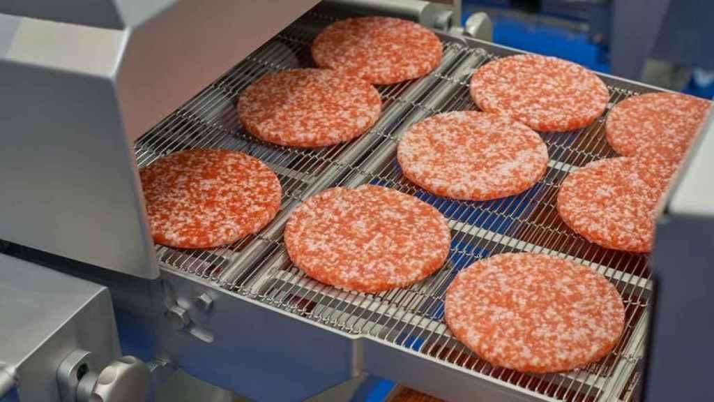 Una imagen de carne de hamburguesa.