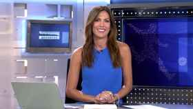 Mª Victoria Albertos, presentadora de la sección de Deportes en la edición matutina de 'Informativos Telecinco'.