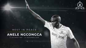 Anele Ngcongca, en la imagen que ha subido uno de los clubes en los que jugó, Mamelodi Sundowns. Foto: Twitter (@Masandawana)