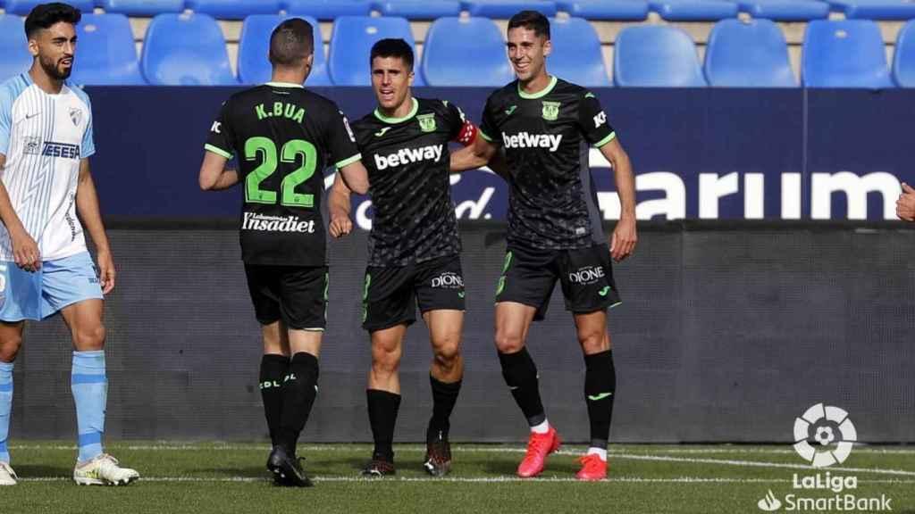 Los jugadores del Leganés celebran un gol ante el Málaga