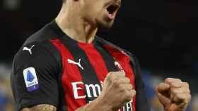 Zlatan Ibrahimovic celebra un gol con el Milan en la temporada 2020/2021