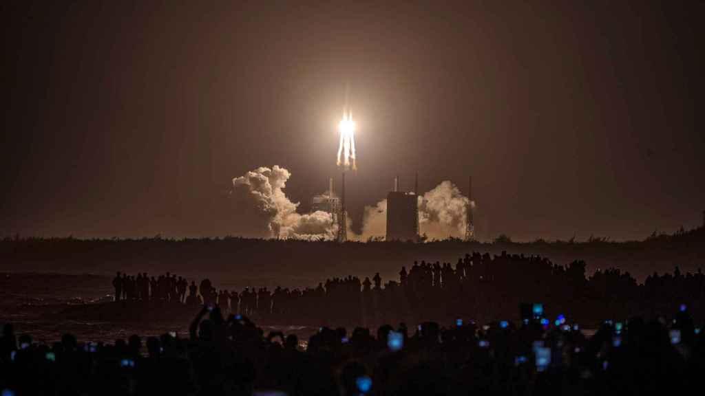 Lanzamiento de la misión Chang'e-5