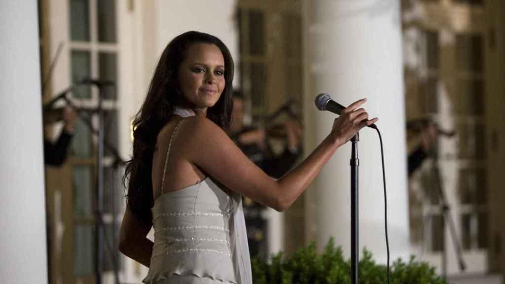 Shaila, cantando en los jardines de la Casa Blanca en 2008.