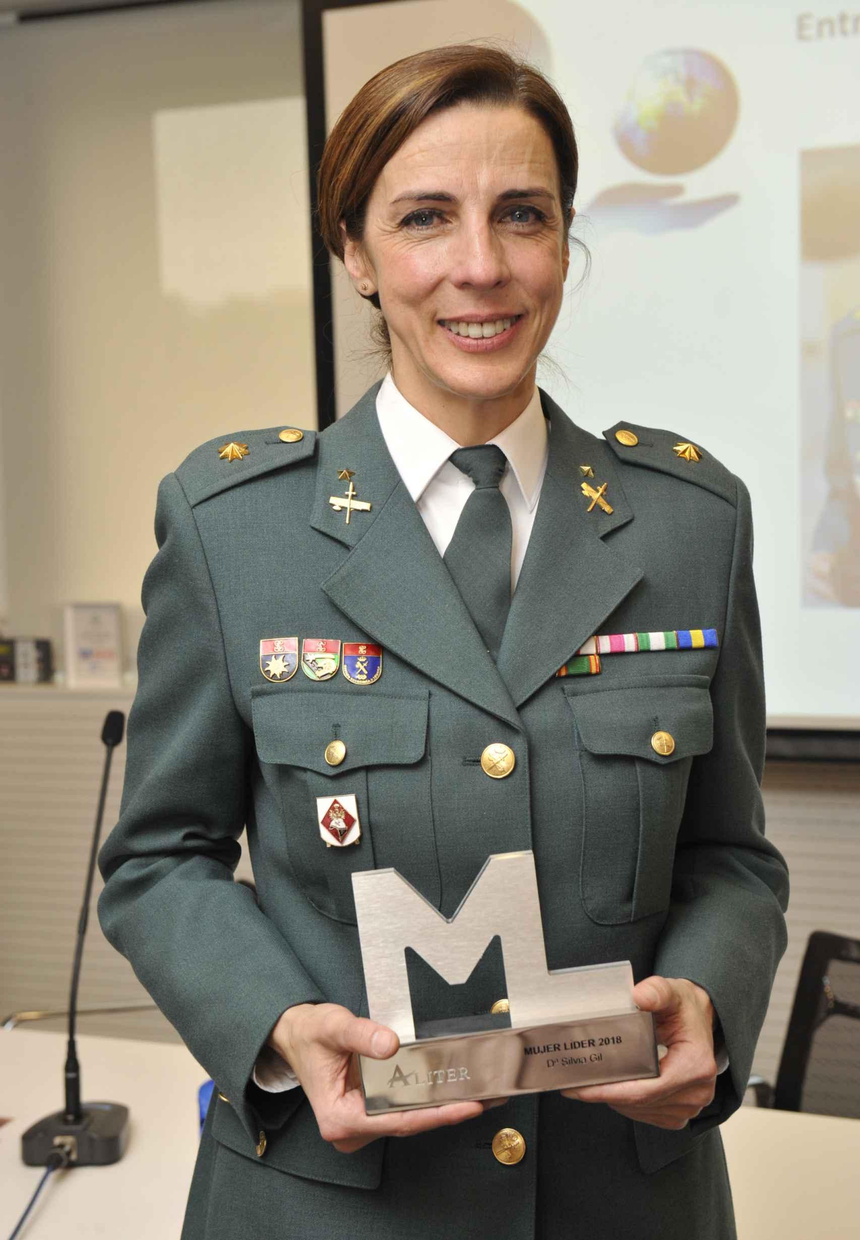 La Teniente Coronel Silvia Gil.