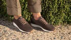 Modelo Merino Sport en color chocolate.