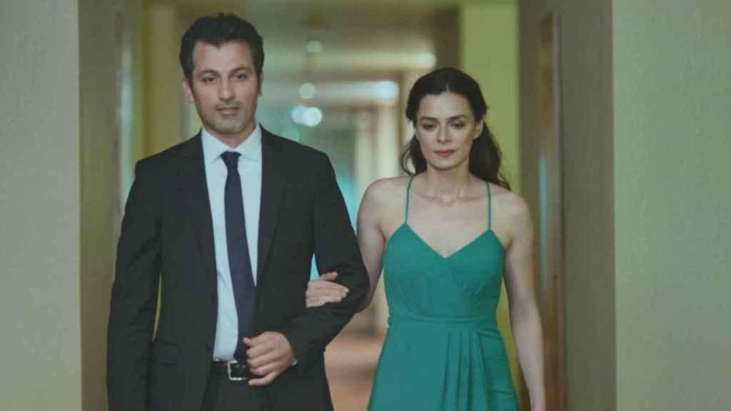Arif y Bahar mantienen una estrecha amistad en 'Mujer'.