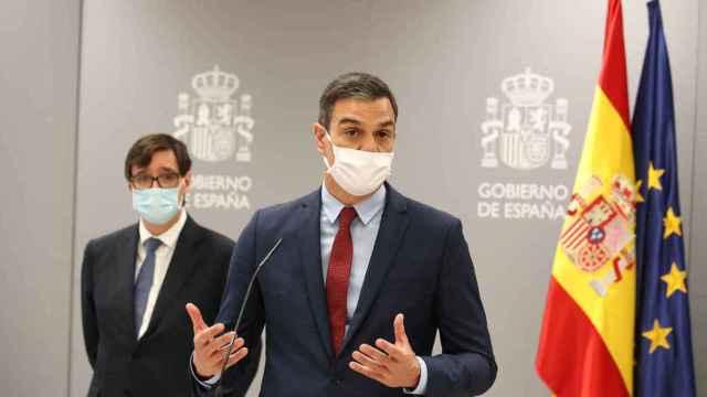El presidente del Gobierno y el ministro de Sanidad en una imagen de archivo. Efe