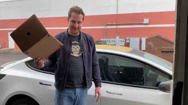 Un MacBook puede servir como llave para un Tesla