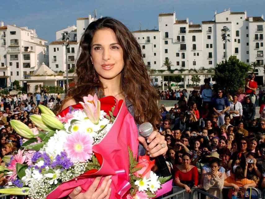 Nuria Fergó durante la presentación de su disco 'Brisa de esperanza' en abril de 2002.