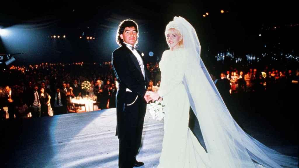 Maradona y Claudia Villafranca el día de su boda.