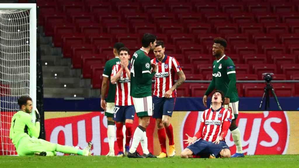 El Atlético perdona una ocasión ante el Lokomotiv