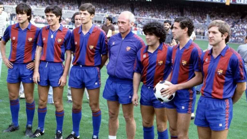 De izquierda a derecha: Marcos Alonso, Pichi Alonso, Urbano, Maradona, Julio Alberto y Perico Alonso