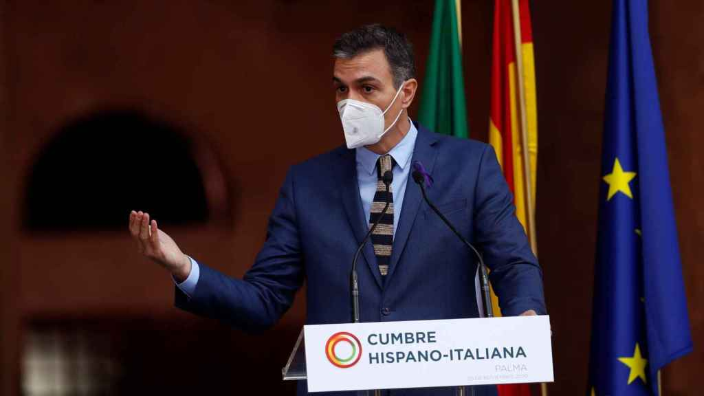El presidente del Gobierno, Pedro Sánchez, comparece en el marco de la XIX Cumbre bilateral de España e Italia, celebrada este miércoles en el Palacio de la Almudaina en Palma de Mallorca.