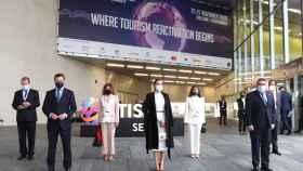 Foto familia de la inauguración del congreso Tourism Innovation Summit en Sevilla.