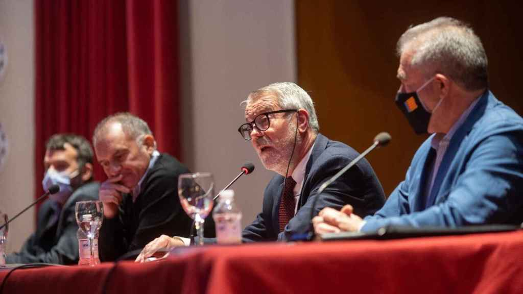 Romero, Ferrer, Culla y Moreno durante la presentación del libro 'Valencià, desperta'.