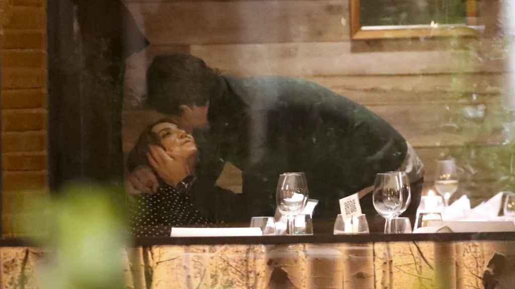 Tamara Falcó y su nueva pareja Iñigo Onieva en el restaurante Aspen en La Moraleja.