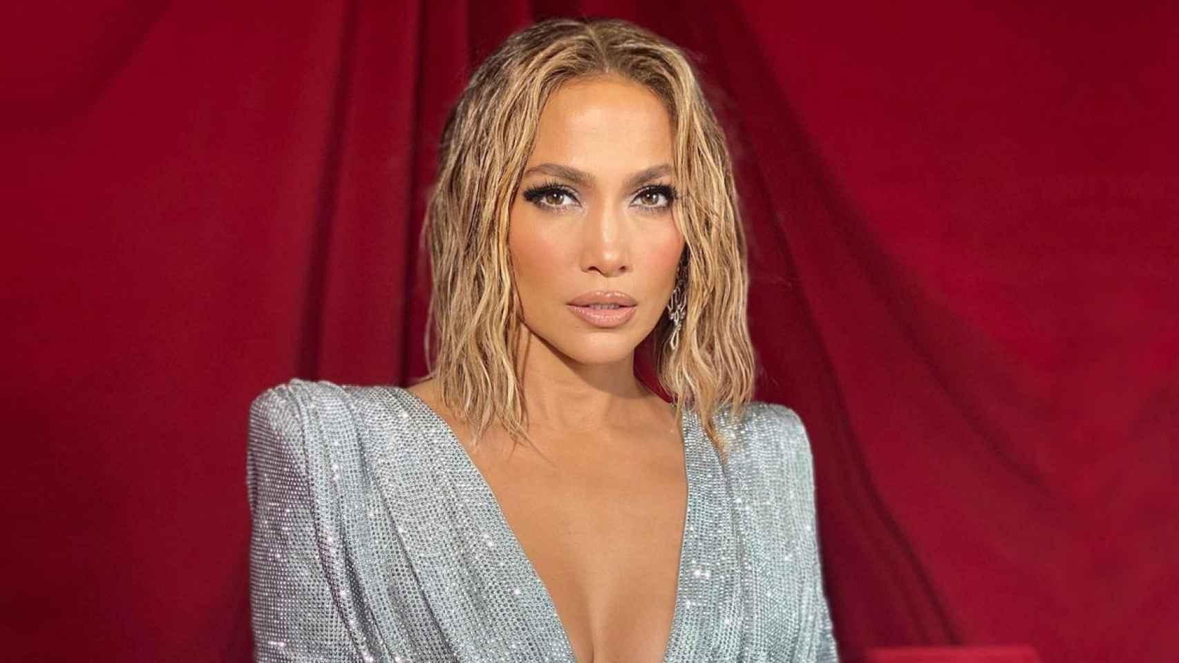 Jennifer Lopez ha sorprendido a todos mostrando su cuerpo completamente desnudo en su última publicación.