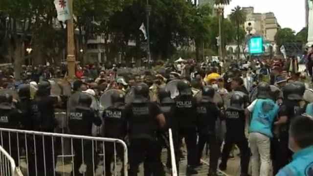 Altercados en Casa Rosada al abrir al público el velatorio de Maradona