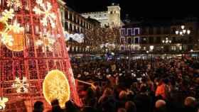 Una abarrotada Plaza de Zocodover durante el encendido de la iluminación navideña del pasado año en Toledo