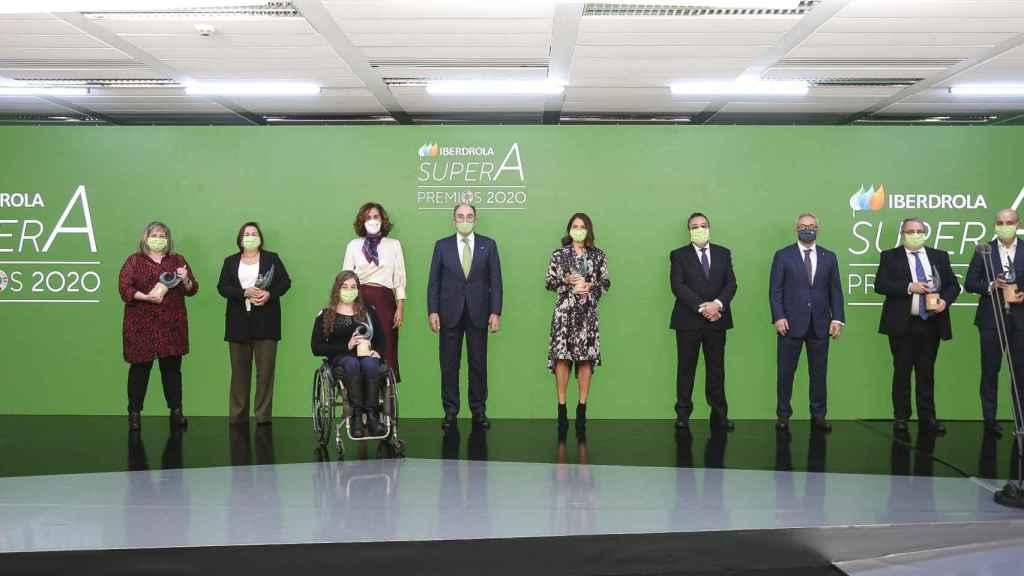 Cuadro de Honor de los Premios SuperA, con los ganadores y el presidente de Iberdrola, Ignacio Galán.