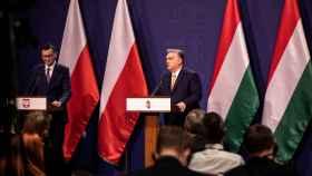 El polaco Mateusz Morawiecki y el húngaro Viktor Orban, durante su encuentro en Budapest este jueves