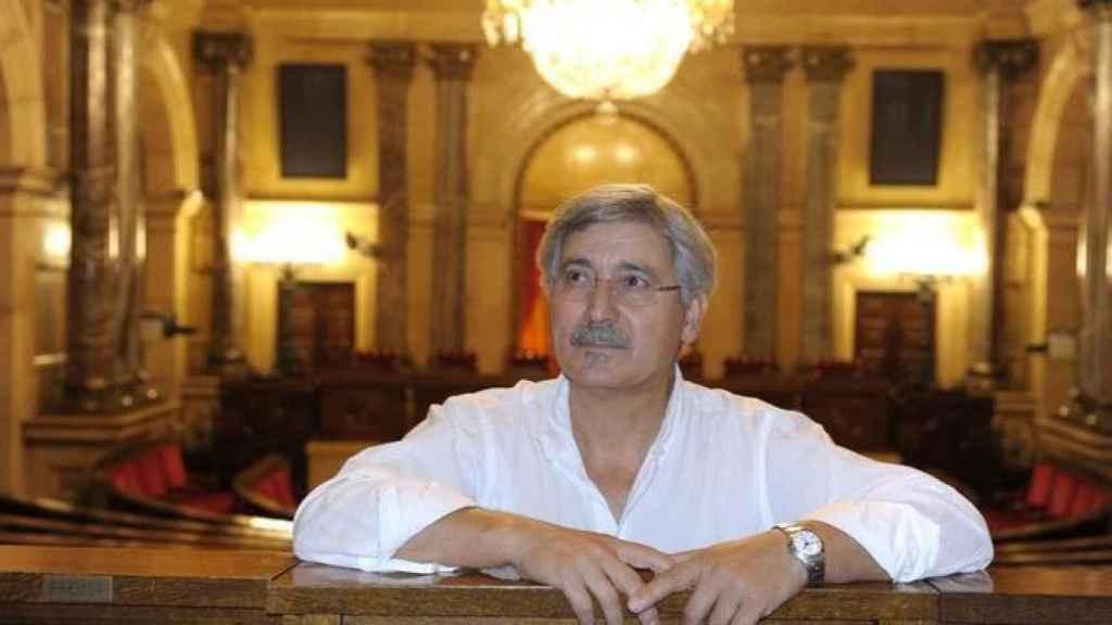 Antonio Robles, en el Parlamento de Cataluña.