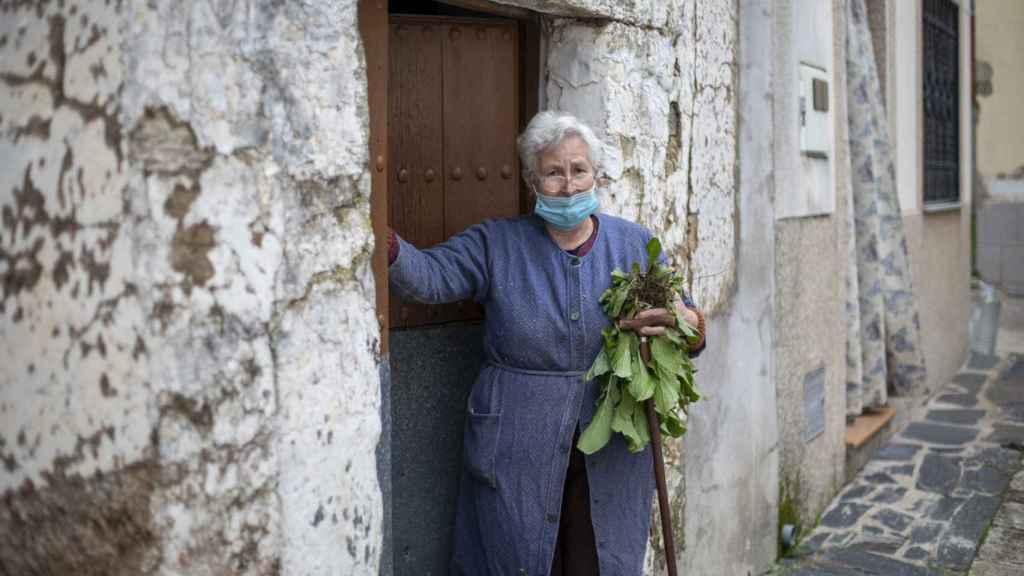 Dolores, 79 años, prefiere que la vacuna se la ponga antes el gobierno.