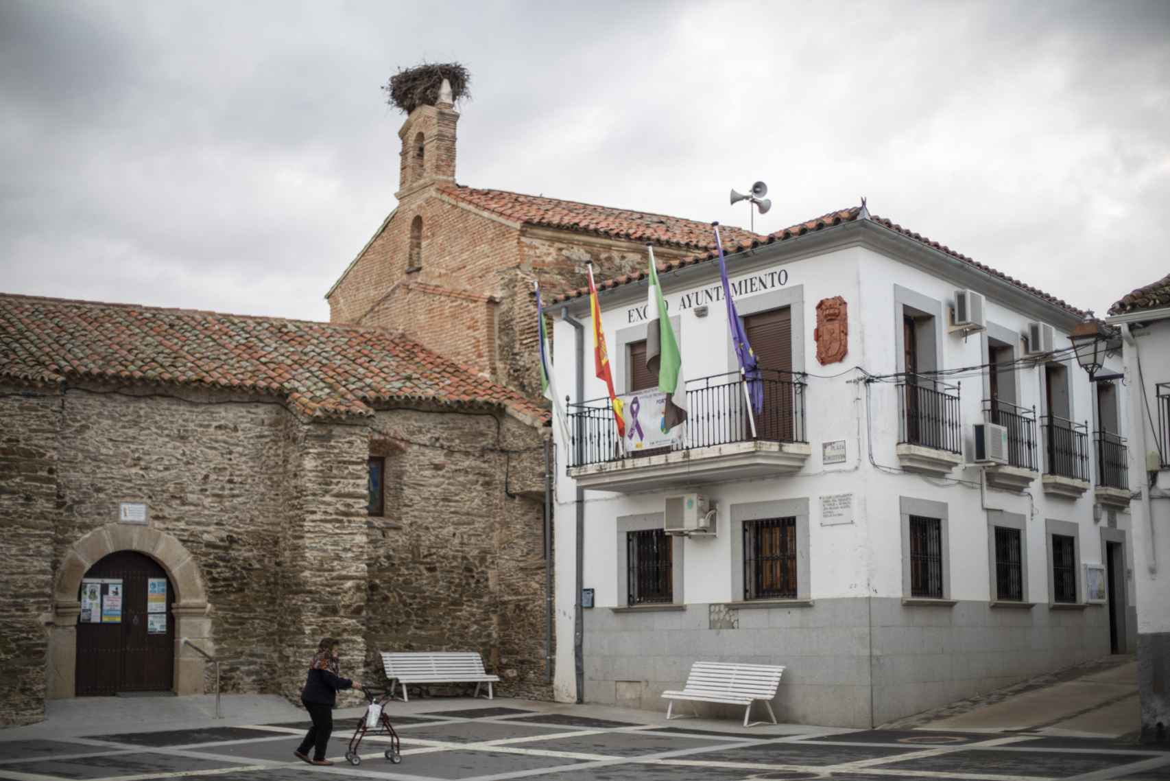 Plaza del Ayuntamiento de Portajes.