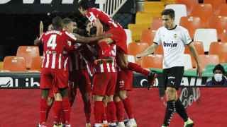 El Atlético gana al Valencia y recupera sensaciones antes del Bayern