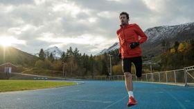 Kilian Jornet entrenando en pista